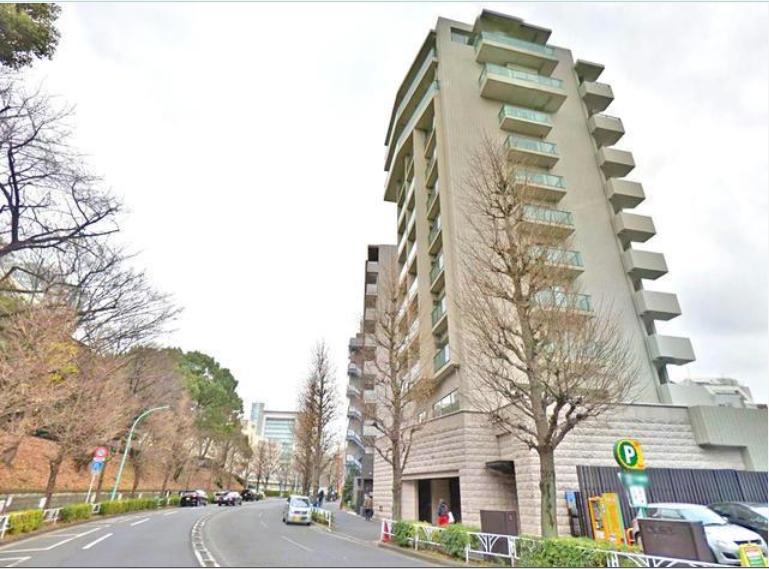 Park Side Kamiyama