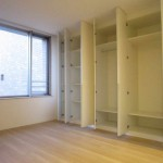 ベッドルーム 1(居間)