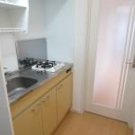 写真は201号室同間取りの物を使用(キッチン)